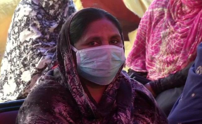 Coronavirus: शाहीनबाग की महिलाओं ने दी 'जनता कर्फ्यू' को चुनौती, कहा- हम कल भी आएंगे