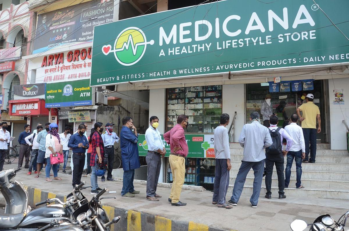 Coronavirus in Bihar : ऑक्सीजन सिलिंडर मार्केट से ऑउट ऑफ स्टॉक, दवा भी नहीं मिल रही, भटक रहे हैं परिजन