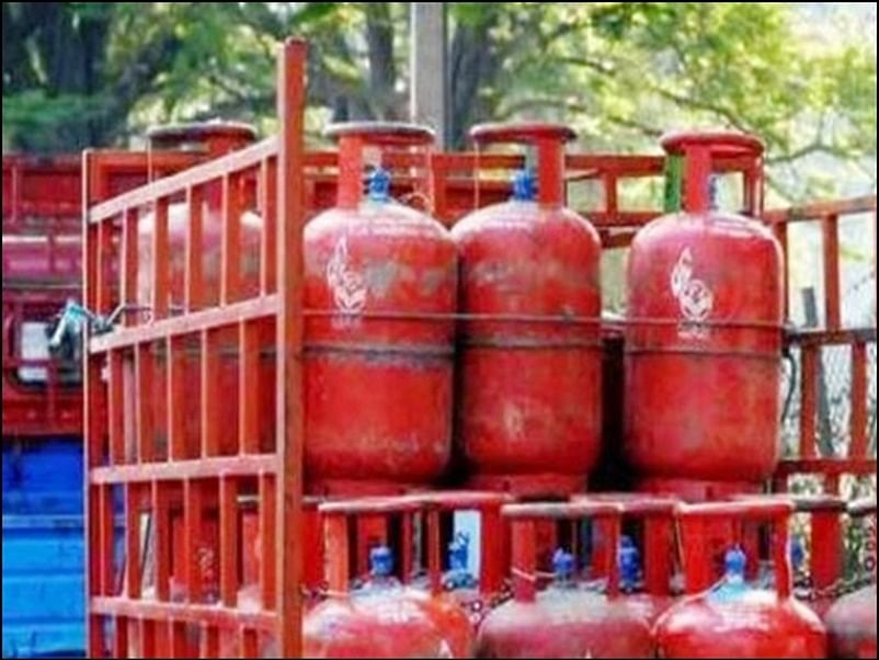 PM Ujjwala Yojana : फ्री गैस सिलेंडर कनेक्शन लेने का यह है आसान तरीका, आपके पास है कल तक का समय