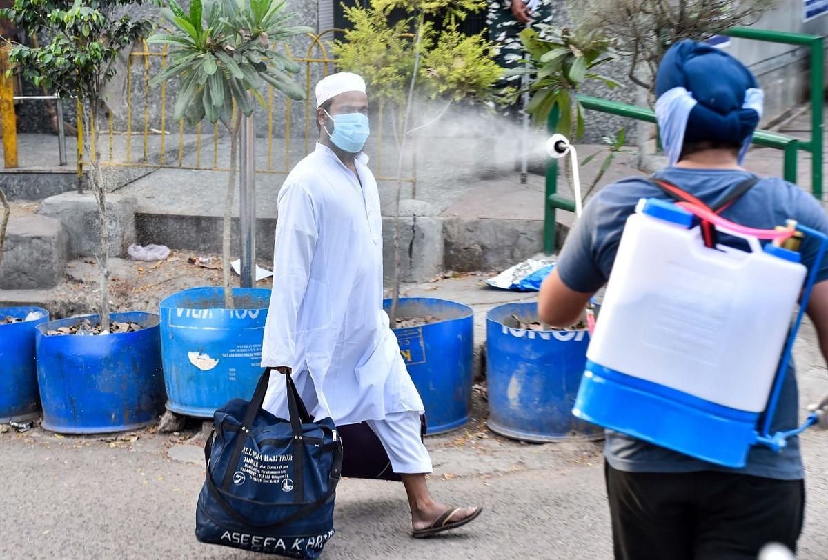 Coronavirus Latest Updates LIVE : दिल्ली पुलिस का एक्शन- 'तबलीगी जमात से जुड़े 83 विदेशी नागरिकों के खिलाफ दायर की चार्जशीट'