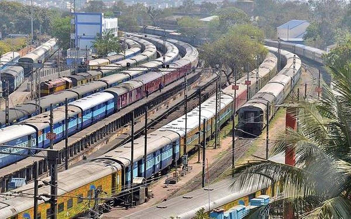 IRCTC/ Indian Railways News : रेलवे जल्द देगा खुशखबरी, बिहार-झारखंड के यात्रियों को भी होगा फायदा, जानिए ट्रेन से जुड़ी लेटेस्ट जानकारी