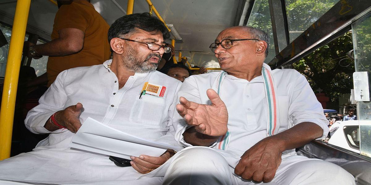 MP सत्ता का संघर्ष : कांग्रेस को एक और झटका, कर्नाटक HC ने दिग्विजय सिंह की याचिका खारिज की