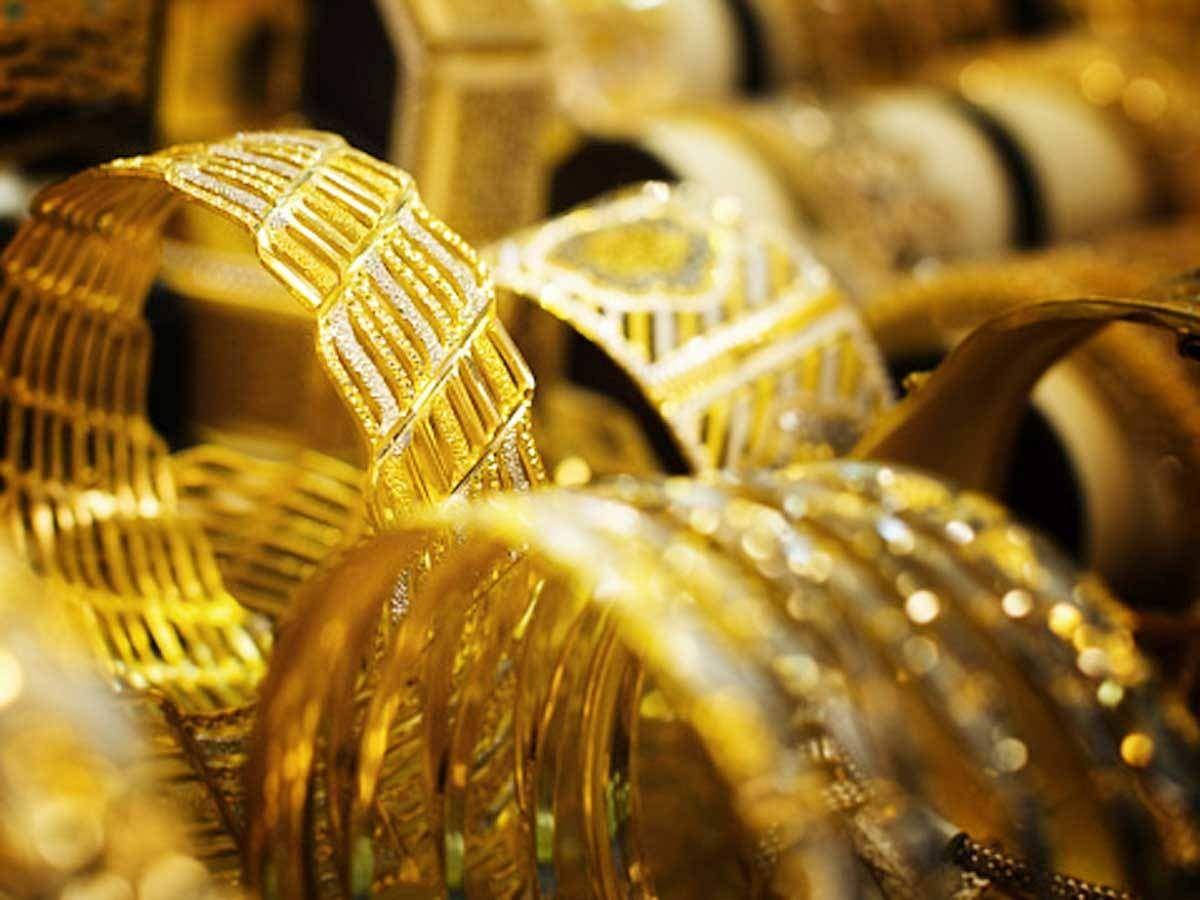 Gold Rate : सोने की कीमत में गिरावट, चांदी भी सस्ता हुआ, जानें कीमत