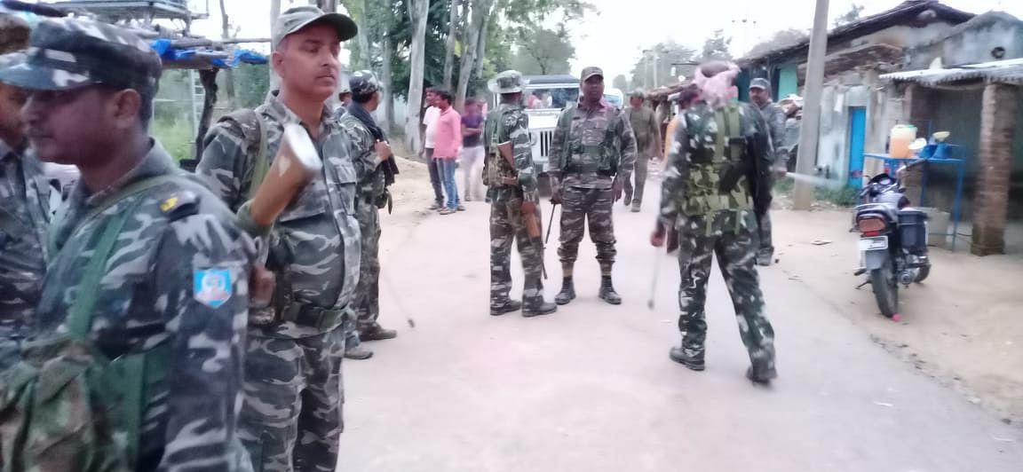 पलामू के पाटन में होली के दौरान पुलिस ने बरसायी लाठियां, ग्रामीणों ने पुलिस पर ईंट-पत्थर फेंके