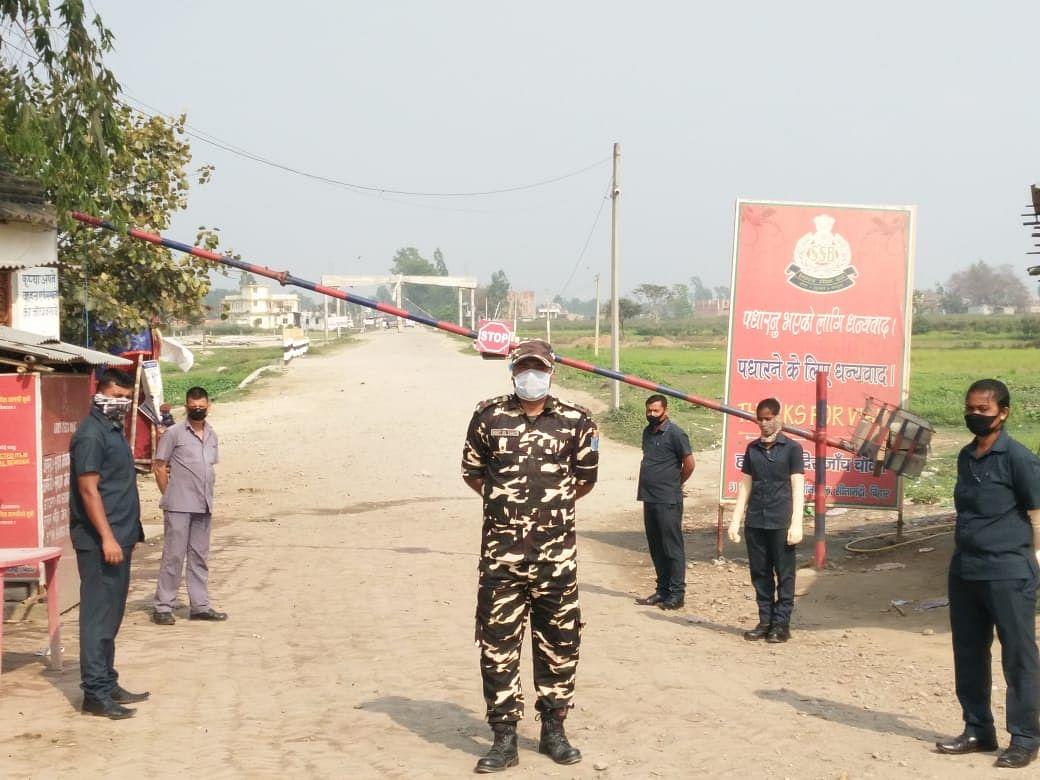 सोनबरसा : भारत-नेपाल सीमा स्थिति हनुमान चौक का नजारा