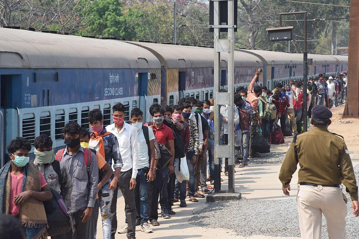 बिहार में चुनावी समीकरण बिगाड़ सकते हैं प्रवासी मजदूर, पिछले चुनाव में हार-जीत का 33 सीटों पर था करीब पांच हजार का अंतर
