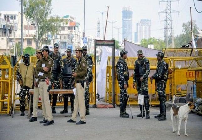दिल्ली पुलिस ने एनकाउंटर के बाद आईएसआईएस के आतंकी को किया गिरफ्तार, ऑपरेशन जारी