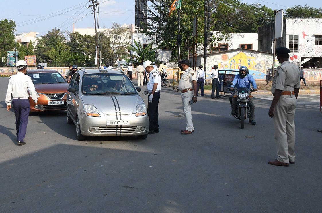 बिहार में नंबर प्लेट को लेकर नियम हुए सख्त, इन मामलों में अब वाहन मालिक के साथ डीलर पर भी होगी कार्रवाई...