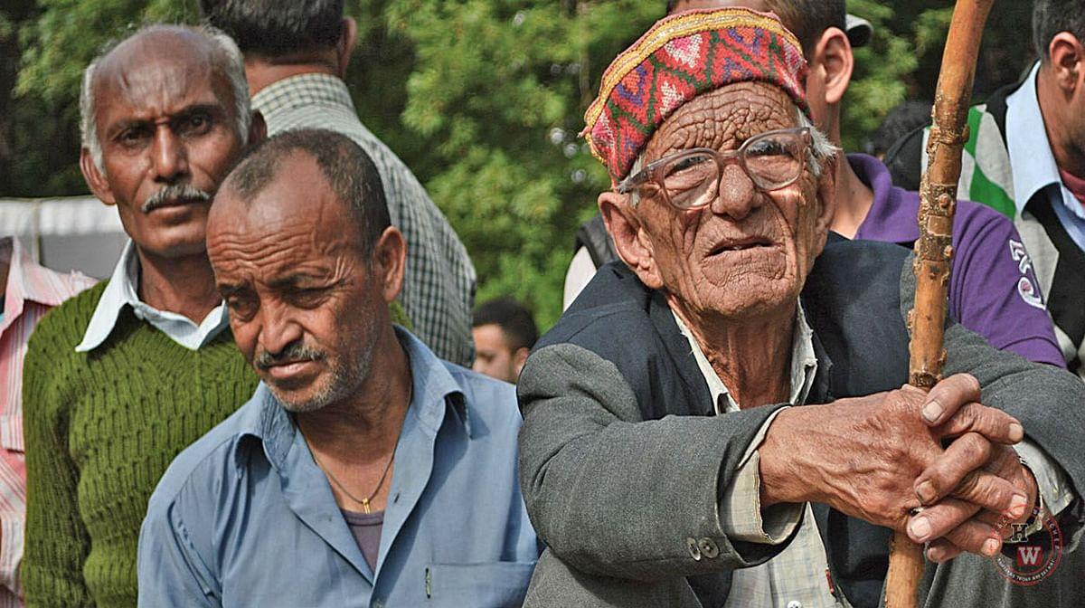 बुजुर्गों, दिव्यांगों और विधवाओं को तीन महीने तक एक हजार रुपये अतिरिक्त मिलेगा. यह दो किस्तों में दिया जाएगा. तीन करोड़ लोगों को इसका सीधा लाभ मिलेगा.