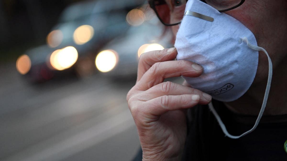 मुंबई में मास्क नहीं पहने वालों पर गिरेगी गाज, रोजाना 1000 लोगों का चलान काट सकती है Mumbai Police