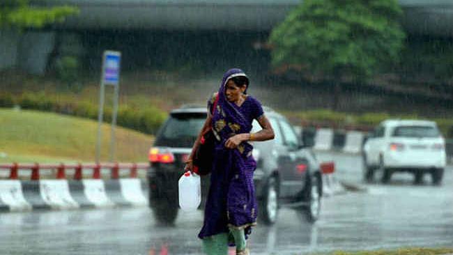 Weather Forecast LIVE : झारखंड में बूंदाबांदी जारी, बिहार में शाम से होगी झमाझम बारिश, जानें अपने शहर का हाल