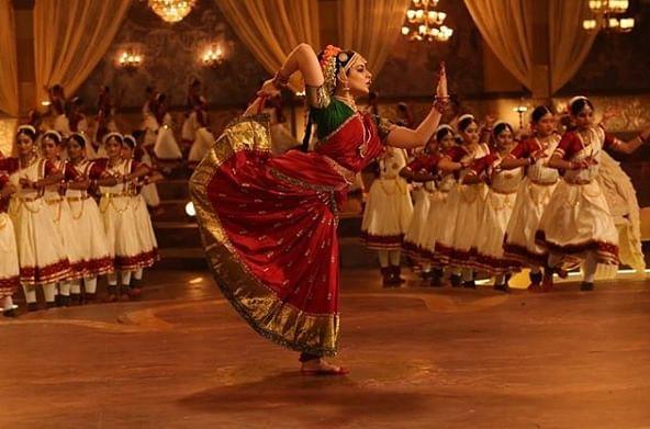 कंगना रनौत एक बेहतरीन अदाकारा के साथ साथ अपने शानदार डांस के लिए भी जानी जाती है