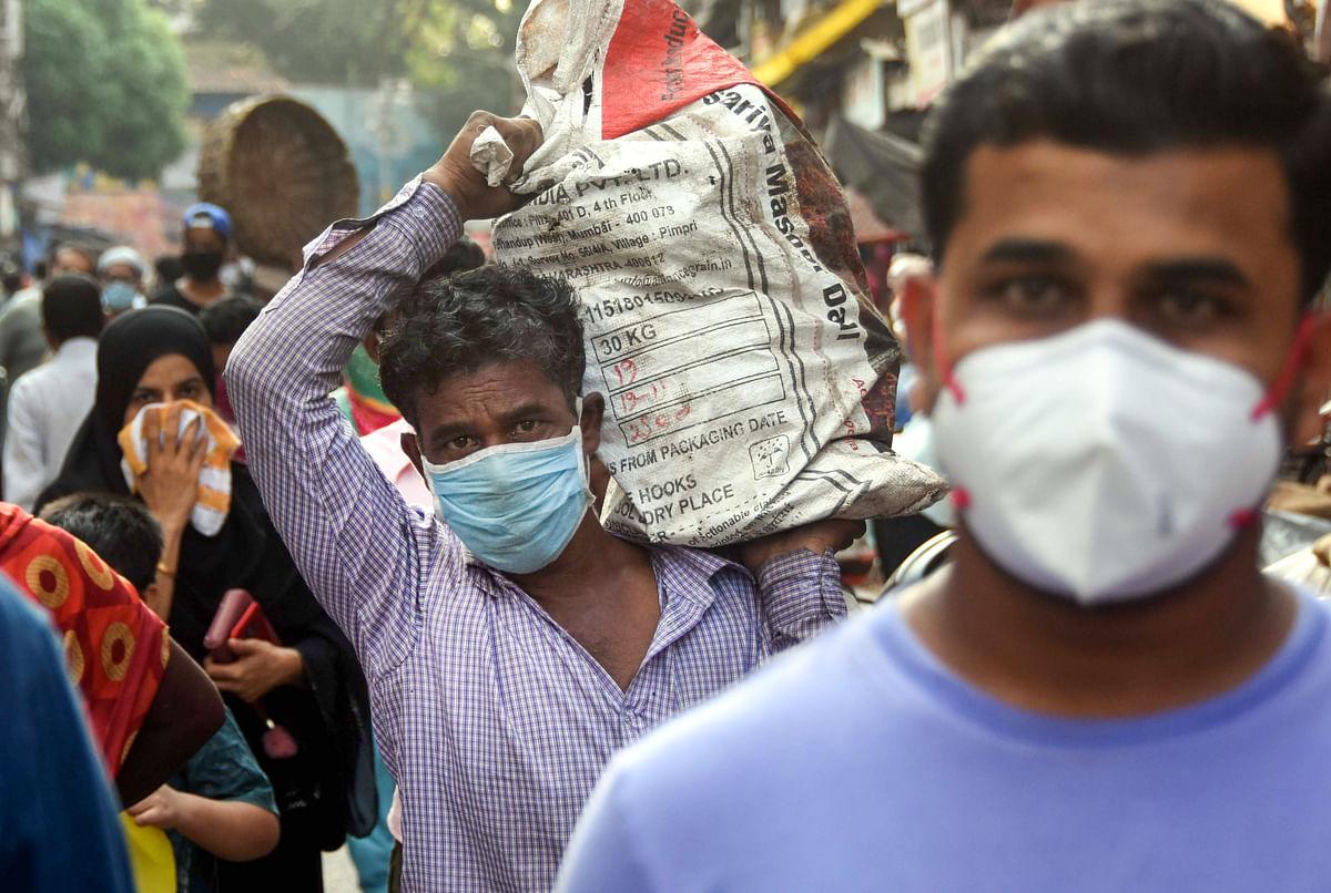 बिना जांच पड़ताल कराये मजदूर पहुंच रहे हैं घर, बढ़ रहा है संक्रमण का खतरा