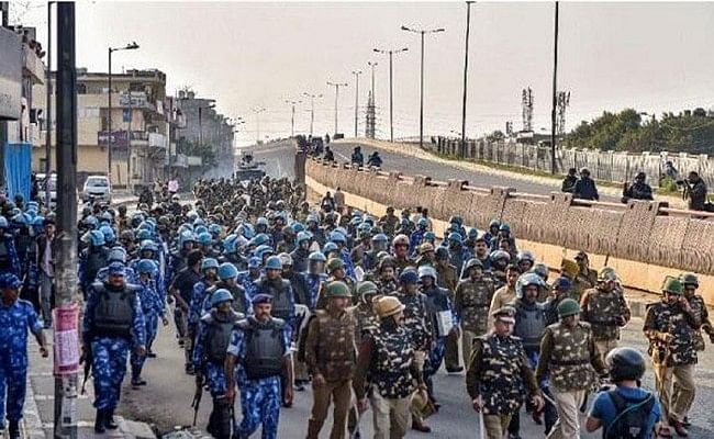 Delhi Violence : मरने वालों की संख्या बढ़कर 53 हुई, 654 लोगों के खिलाफ FIR दर्ज