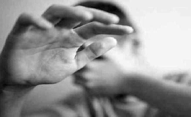 युवक के साथ अप्राकृतिक यौनाचार का प्रयास, विरोध करने पर...