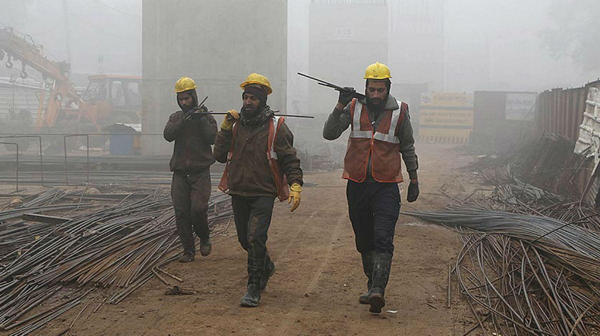बिहार के कारखानों में अब मजदूरों के वेतन से नहीं चलेगी मनमानी, रात में रोका तो मालिकों की खैर नहीं