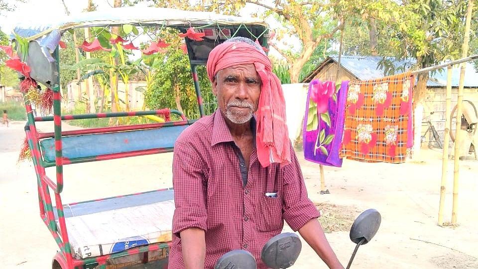Lockdown in Bihar : रिक्शा चालकों की स्थिति दिनों दिन हो रही खराब, लॉकडाउन में भूख मरने की हो चुकी है नौबत