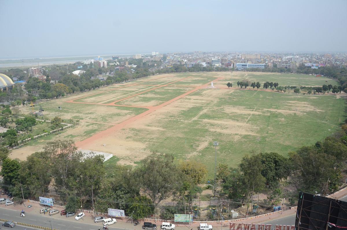 हमेशा भीड़-भाड़ से भरे रहने वाले पटना के गांधी मैदान में पसरा सन्नाटा