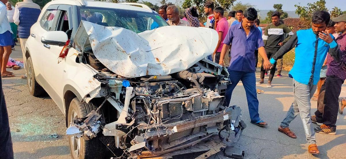 बस का इंतजार कर रहे 9 लोगों को कार ने रौंदा, एक बच्चा और तीन महिलाओं की मौत