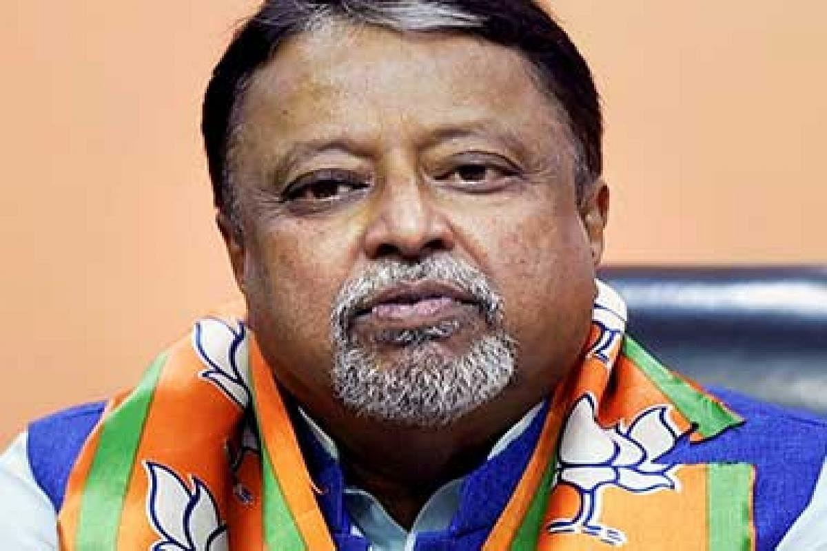 तृणमूल कांग्रेस विधायक की हत्या के मामले में सीआइडी ने भाजपा नेता मुकुल रॉय से पूछताछ की