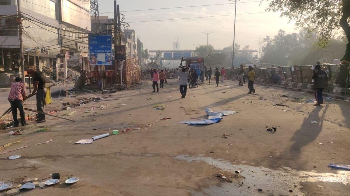 CAA-NRC के खिलाफ प्रदर्शन कर रहे लोगों को शाहीन बाग से हटाया गया, लॉकडाउन के बाद एक्शन में दिल्ली पुलिस
