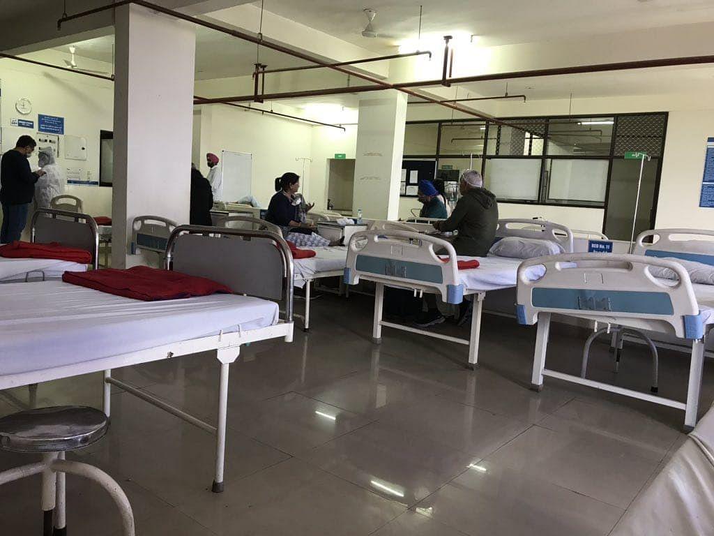 Coronavirus in Bihar : पटना में 5 हजार से अधिक हुए कोरोना के एक्टिव केस, मरीजों के लिए हैं जिले में केवल 1754 बेड