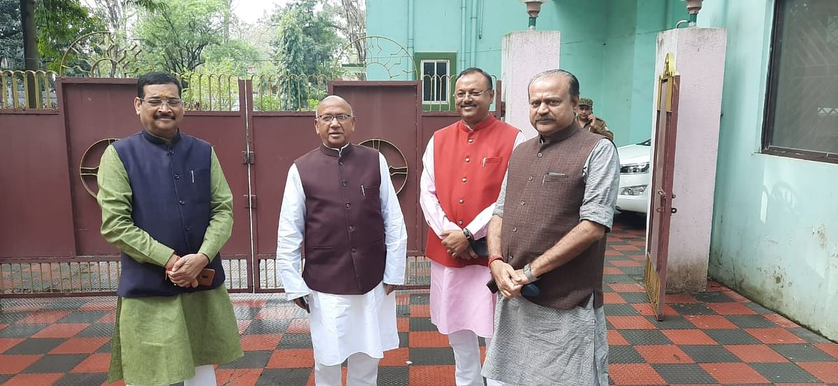 राज्यसभा चुनाव : सरयू राय से मिले भाजपा प्रत्याशी दीपक प्रकाश, मांगा समर्थन