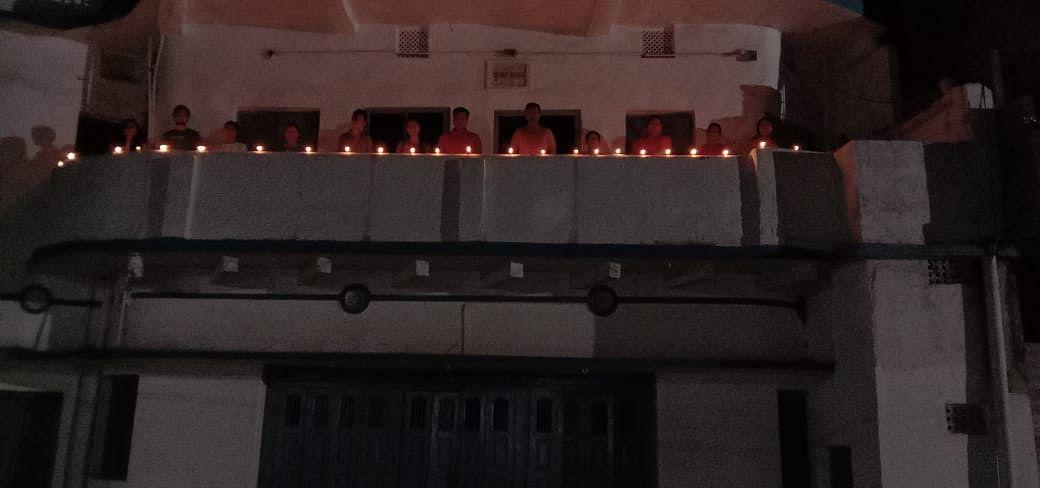 लोहरदगा में दीपावली सा दृश्य