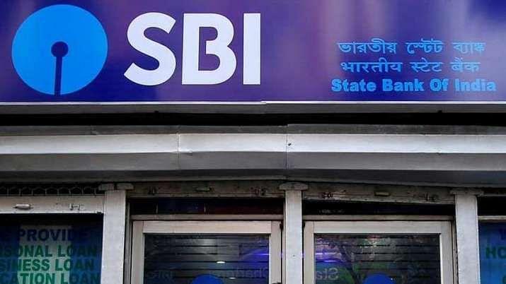 SBI ने लगातार दूसरे माह में ग्राहकों को दिया झटका, अब बचत खाते पर यह फैसला हुआ लागू