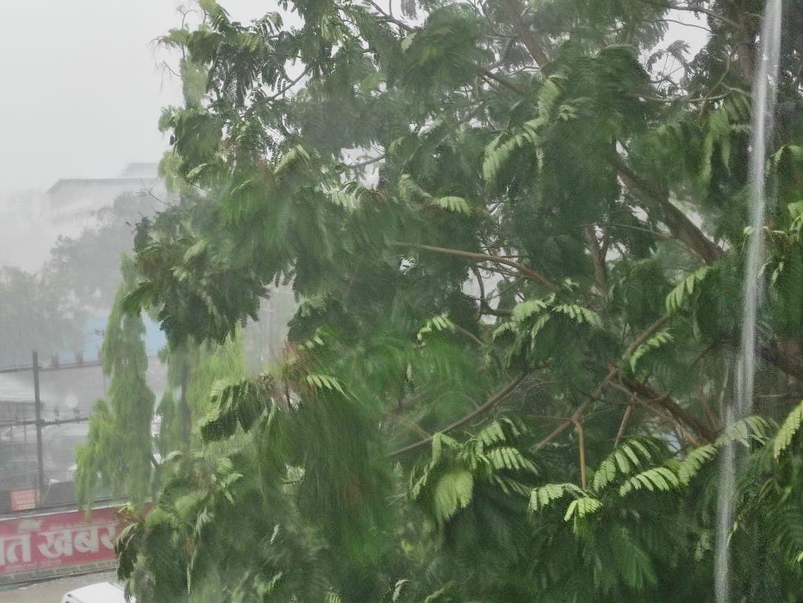 Weather Alert : आज चलेगी तेज हवा, कल बारिश व ओलावृष्टि के आसार