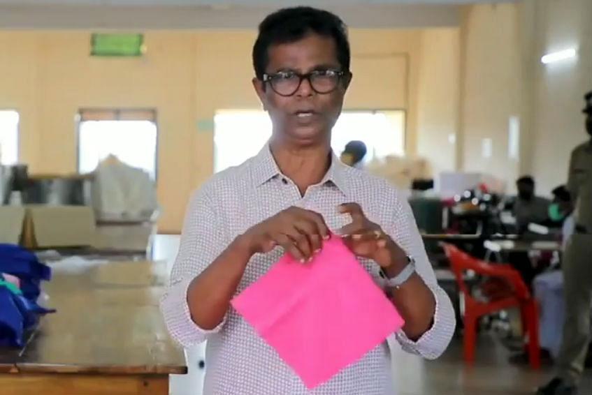 इस अभिनेता ने 9 मिनट में बनाया कपड़े का मास्क, देखें VIDEO