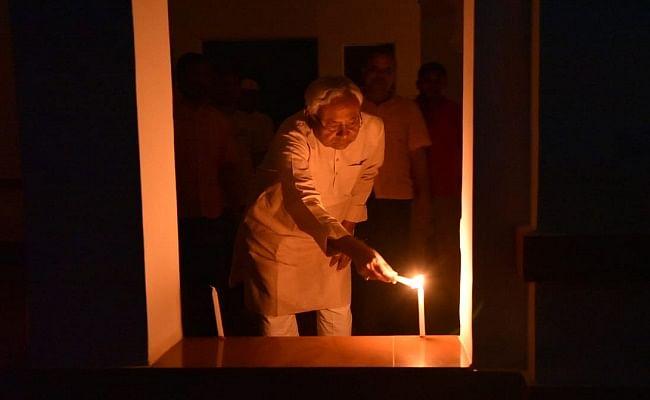 9 PM 9 Minute PM Modi Appeal : तस्वीरों में देखें अद्भुत नजारा, दीयों से जगमगा उठे बिहार के शहर और गांव