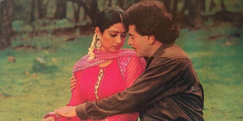 जितेंद्र को लेकर श्रीदेवी ने अपनी चाहत का इजहार किया तो बात जितेंद्र की पत्नी शोभा कपूर तक पहुंच गई. शोभा को इस बात की भी खबर थी कि जितेन्द्र के कहने पर ही श्रीदेवी को उनके साथ कास्ट किया जाता है.