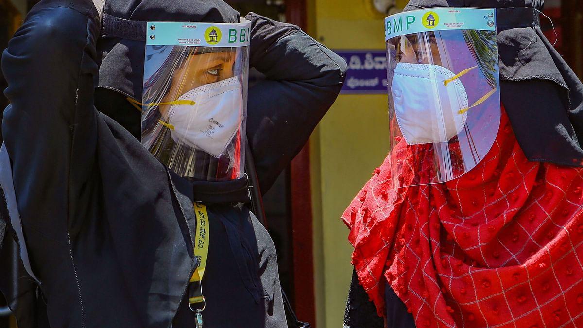 Coronavirus News Update : दिल्ली में बढ़ रहा कोरोना का संकट, 5 और कंटेनमेंट जोन घोषित, कुल 84