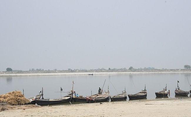 Bihar Flood 2020: गंगा में चल रहे ओवरलोड़ नाव, मुंगेर में दुहरा सकती है खगड़िया जैसी दुर्घटना