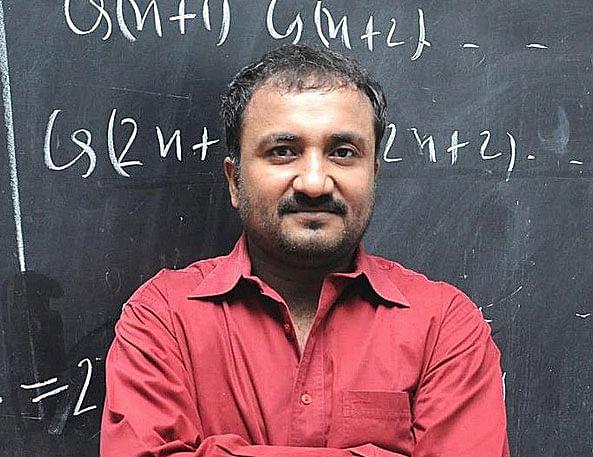 Super 30 फेम आनंद कुमार ने 24x7 शिक्षा चैनल लॉन्च करने का आग्रह किया