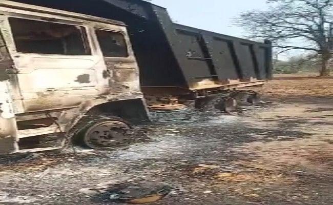 छत्तीसगढ़ में नक्सलियों ने 7 वाहनों को किया आग के हवाले, आईटीबीपी के जवानों ने की तलाशी शुरू