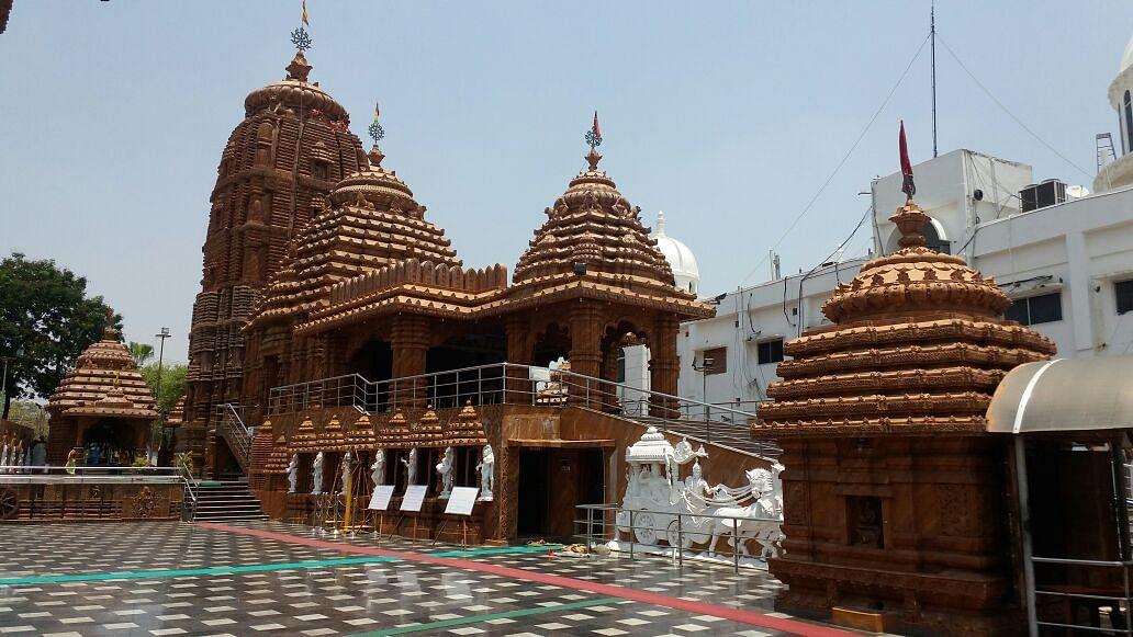 Unlock 1 : खुलने जा रहे हैं मंदिर, दर्शन और पूजा करते वक्त रखना होगा इन बातों का खास ध्यान