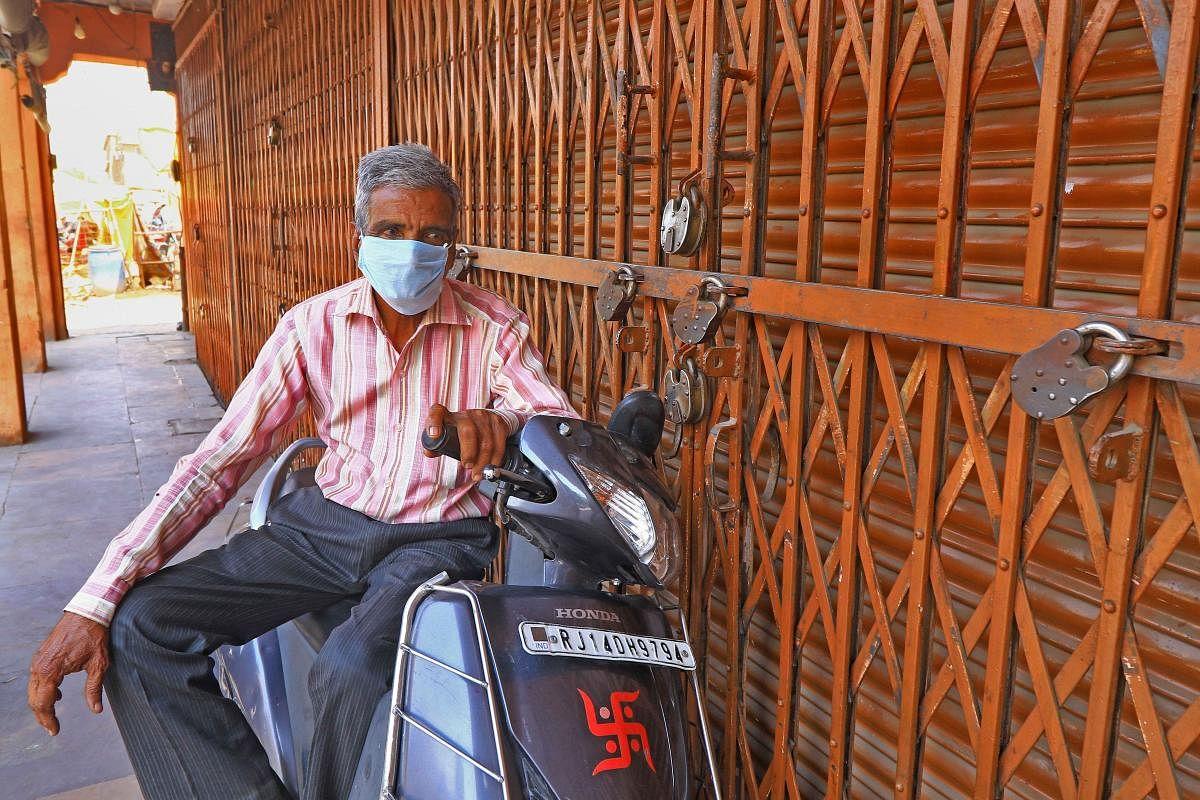 Covid19 के 25 नये केस मिले, राजस्थान में मरीजों की संख्या 1100 के पार, 40 थाना क्षेत्रों में कर्फ्यू