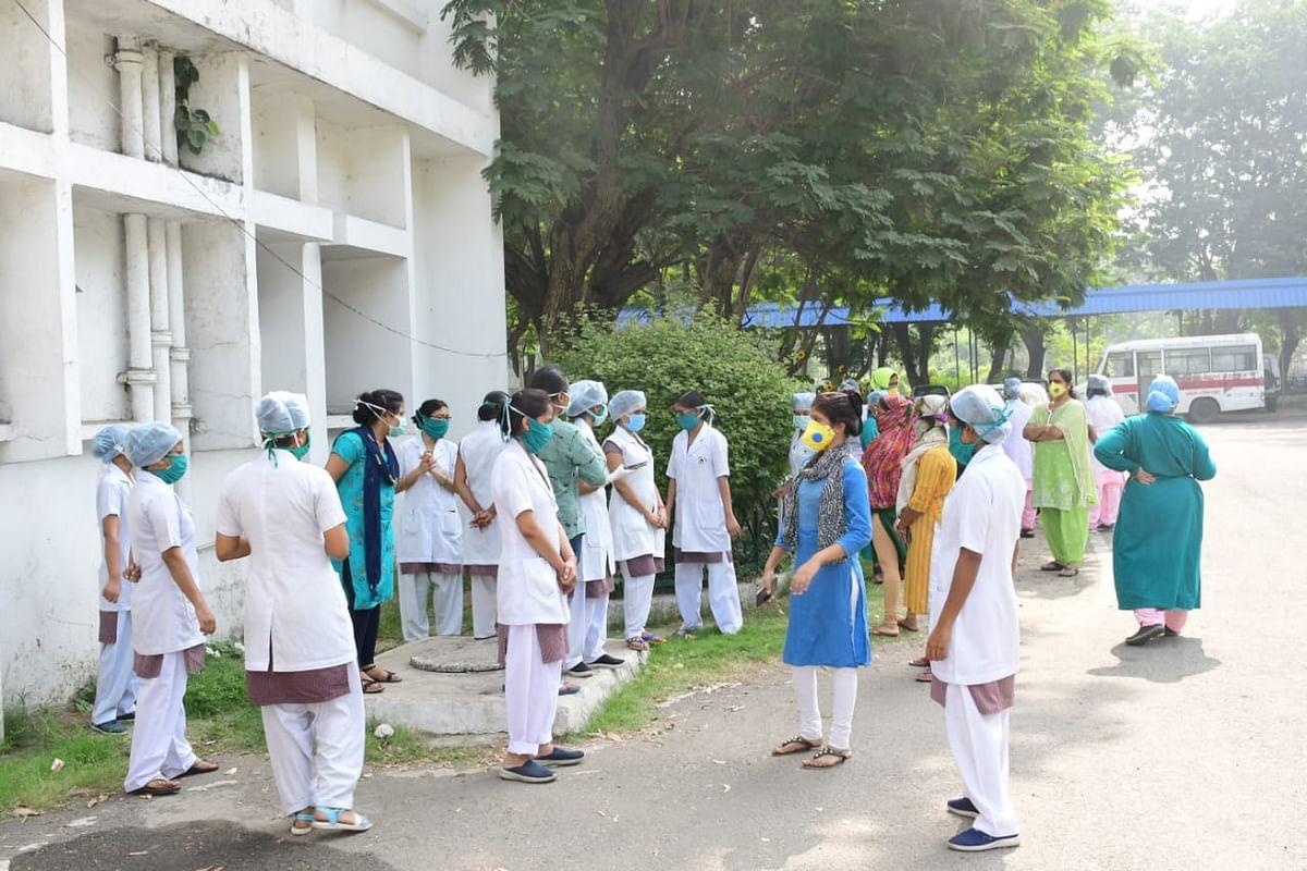 Sarkari Naukri 2020 : बिहार में स्टाफ ग्रेड ए नर्सों की 9160 रिक्तियां, पर इस चूक के कारण लगभग पांच हजार का ही निकल सकता है रिजल्ट...