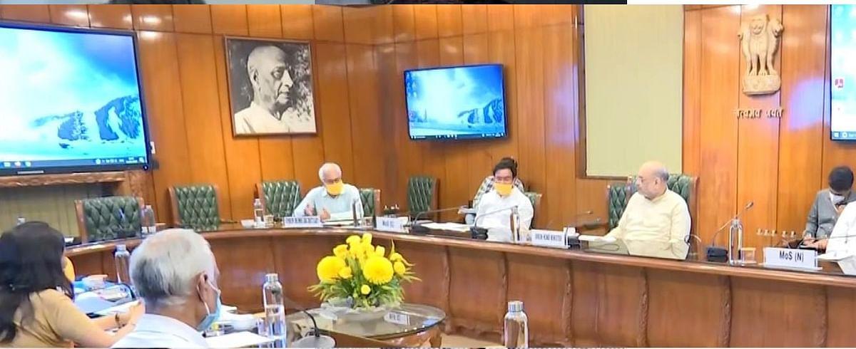 कोरोना संकट को लेकर गृहमंत्री अमित शाह ने की वरिष्ठ अधिकारियों के साथ बैठक, स्थिति पर चर्चा