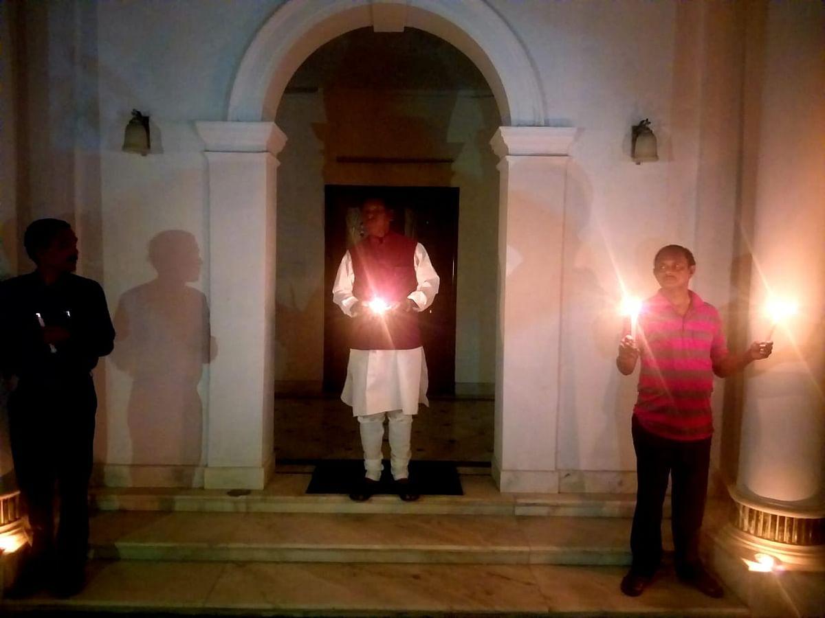 केंद्रीय मंत्री अर्जुन मुंडा ने भी जलाया दीया