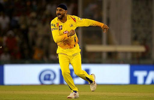 IPL 2020 : सीएसके का दूसरा विकेट गिरा, अब हरभजन सिंह भी आईपीएल से बाहर, जानें क्या है कारण...