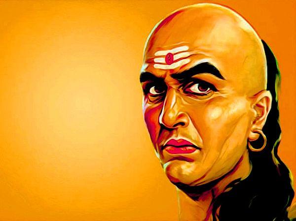 Chanakya Niti : पत्नी की सुंदरता इन कारणों से बन जाती है मुसीबत, जानिए किन कारणों से संतान भी बन जाते हैं शत्रु