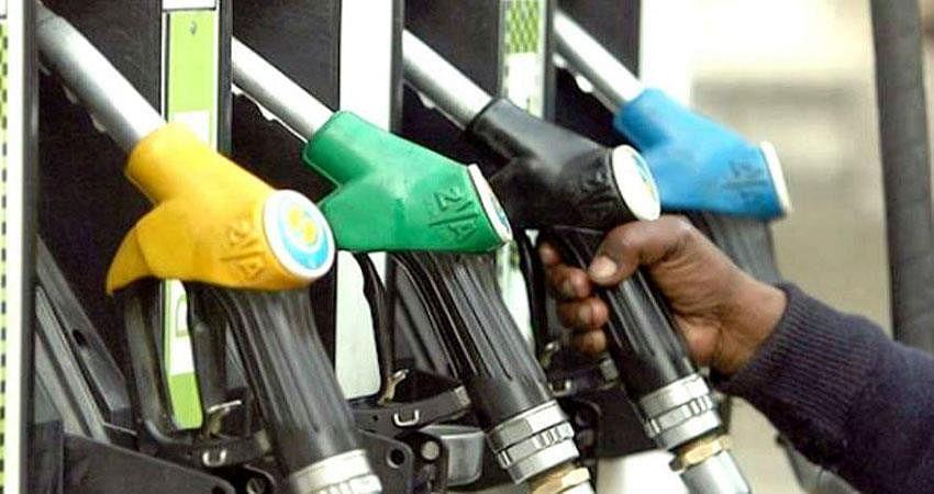 अगर फेल हुई तेल उत्पादक देशों की बैठक तो इतने डॉलर तक सस्ता तक होगा तेल, जानिए क्या है पेट्रोल डीजल का भाव