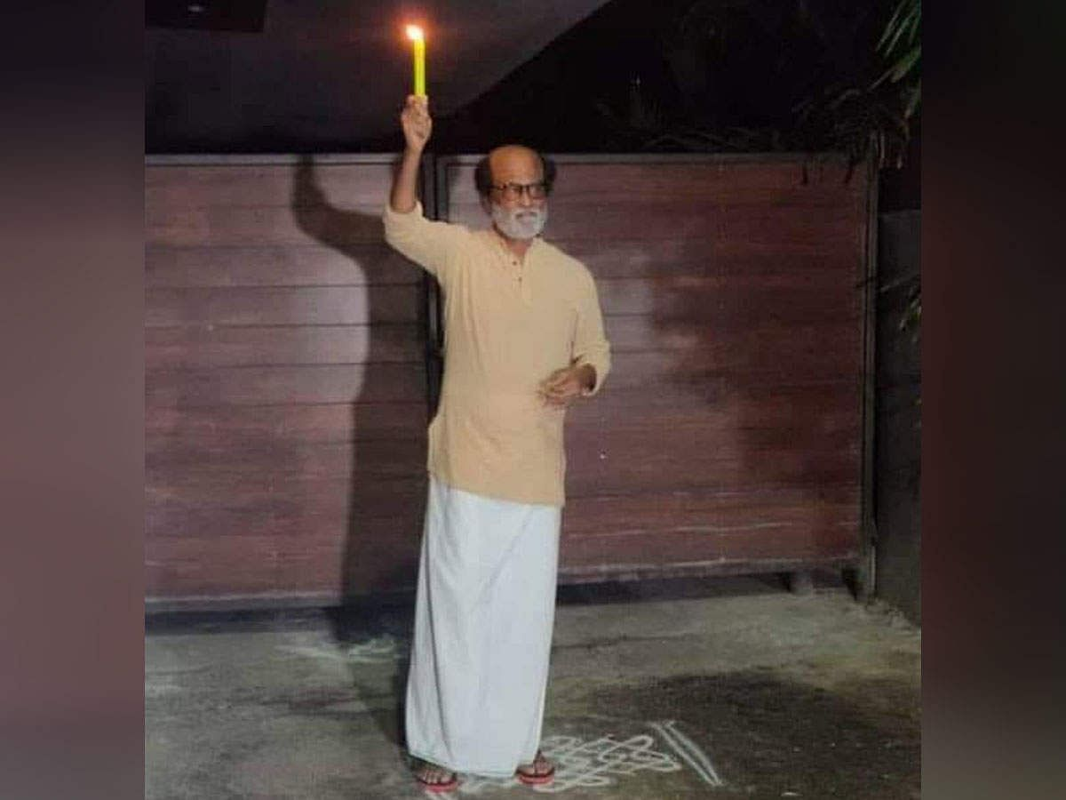 साउथ के सुपरस्टार रजनीकांत ने अपनी पत्नी के साथ एक फोटो शेयर किया, जिसमें वह मोमबत्ती जलाते नजर आ रहे हैं.