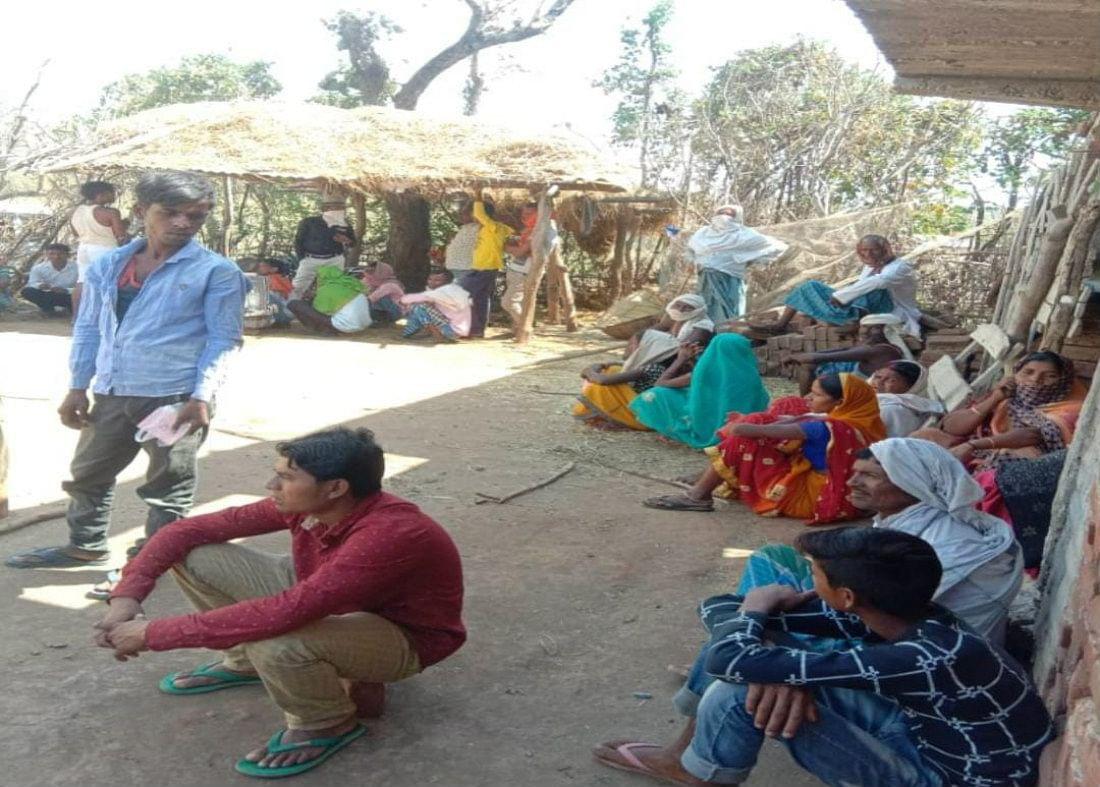 झारखंड सरकार ने राज्य के बाहर 7,049 जगहों पर फंसे 4 लाख से अधिक मजदूरों के रहने-खाने की व्यवस्था की