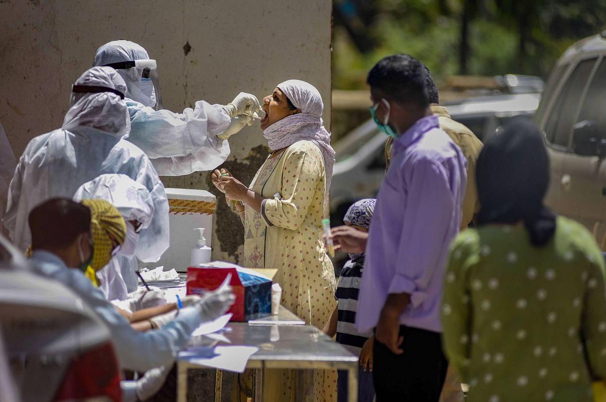 Coronavirus Pandemic : भारत में तेजी से बढ़ रहा है कोरोना का संक्रमण, अब तक 124 की मौत, 4789 लोग संक्रमित