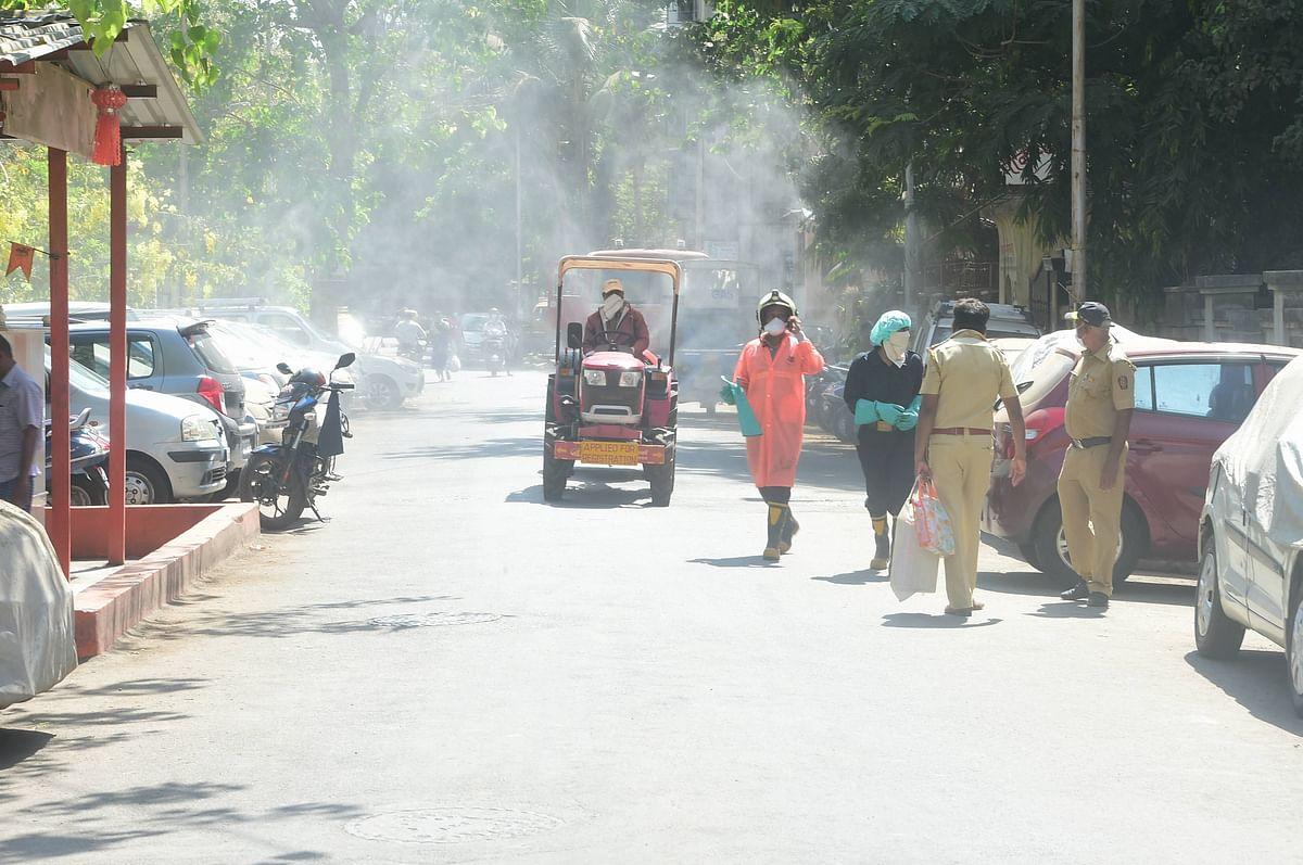 Lockdown in Bengal: रात में लोगों को सीमा पार करा रही है बंगाल पुलिस, ऐसे हुआ खुलासा