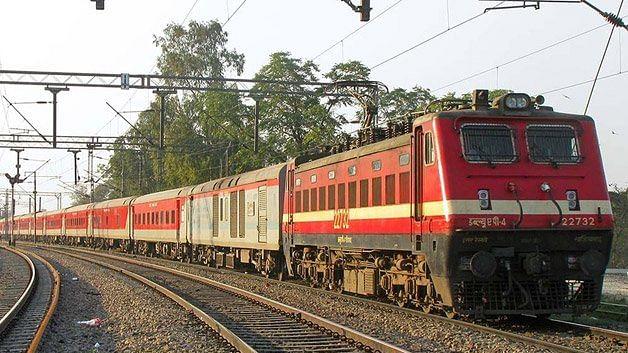 Indian Railways: Lockdown में फंसे छात्रों और मजदूरों के लिए Shramik special ट्रेनें शुरू,  आप भी जानें क्या हैं शर्तें